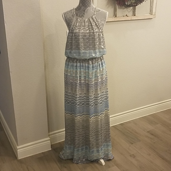 Lily Rose Dresses & Skirts - NWT Lilly Rose Maxi Dress